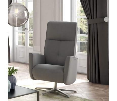 Recliners and Lounges