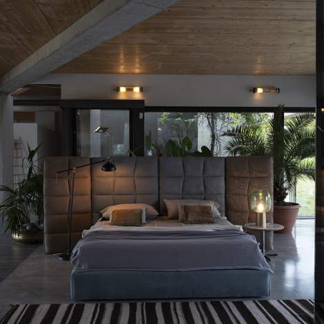 Adam Leather Bed, Cierre Italy