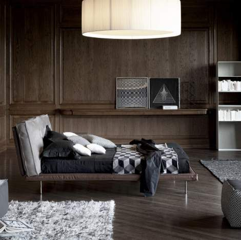 Divine Leather Bed, Cierre Italy