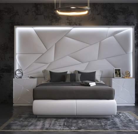 Majesty Bed w/light, ESF