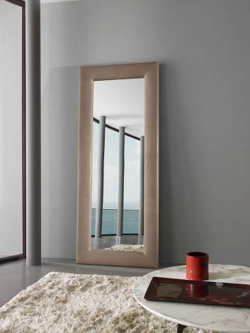 Medea Mirror, Prianera Italy