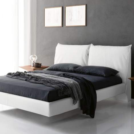 Lukas Bed, Cattelan Italia
