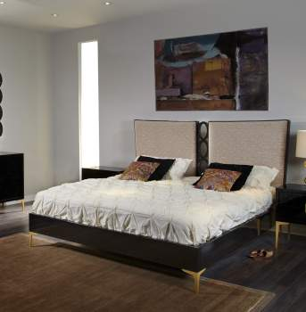 Juliana Bed (Upholstered with Center Rings), Planum Furniture Italy