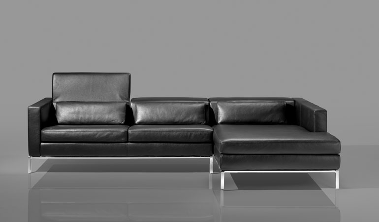 Cierre Chicago Leather Sectional